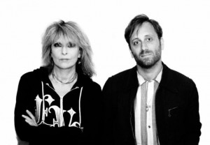 Chrissie-Hynde-and-Dan-Auerbach-640x444